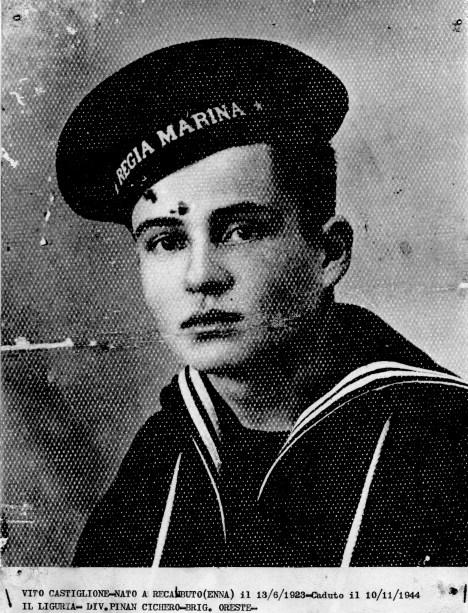 Vito Castiglione nato a recambuto il 13/6/1923 caduto il 10/11/1944 in Liguria appartenente alla divisione Pinan Cichero brigata Oreste